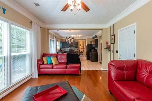 1566 Hascall Dr - Photo 4