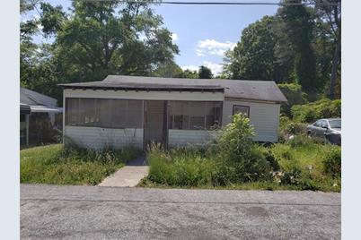 6052 Pine Street - Photo 1