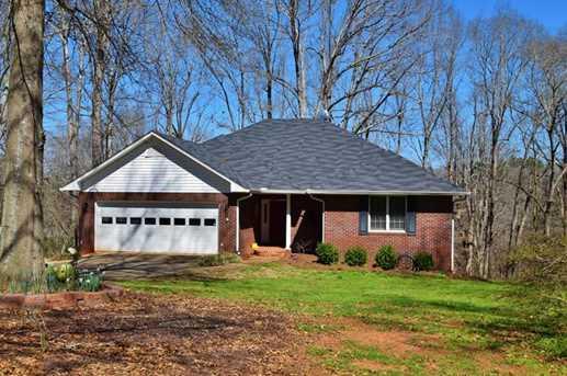 560 Oak Ridge Dr - Photo 1