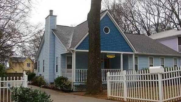 619 Home Avenue SE - Photo 1