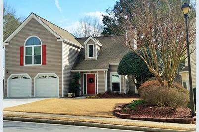 2725 Laurelwood Lane - Photo 1