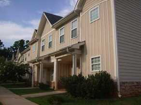 1051 Moreland Dr SE #B7 - Photo 1
