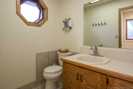 1075 N Valley Drive - Photo 34