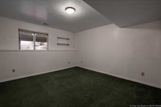 1075 N Valley Dr - Photo 40