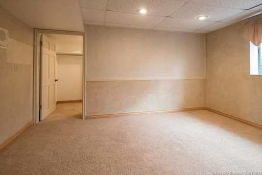 1075 N Valley Dr - Photo 36