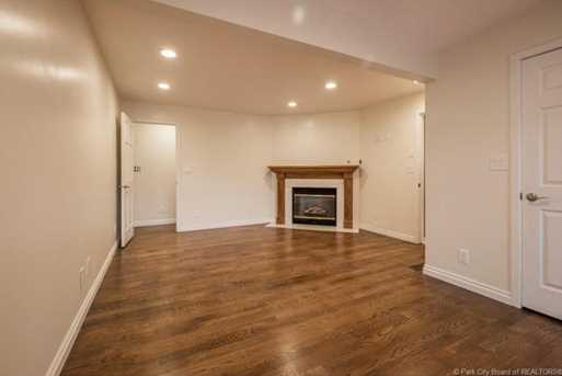 1075 N Valley Drive - Photo 28