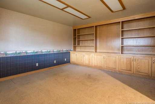 1075 N Valley Drive - Photo 38