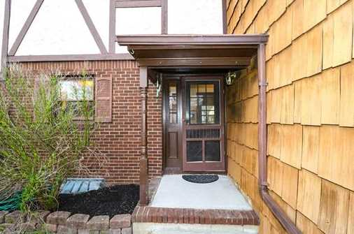 8 Hampton Way - Photo 2