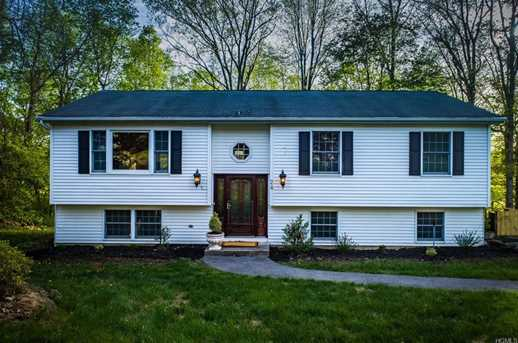 24 Holly Hill Dr - Photo 1