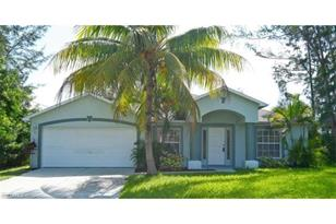 133 SW 34th Ave - Photo 1