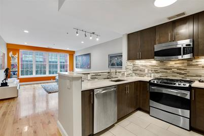 402 9th St #3D - Photo 1