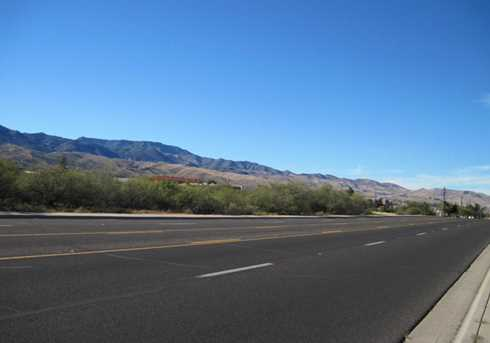 555 Highway 89A - Photo 2