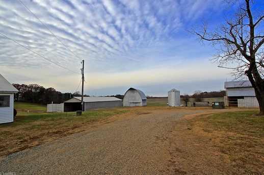 5471 E Nc Highway 150 - Photo 4