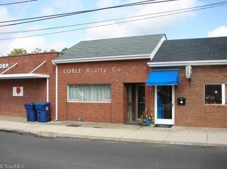 114 W Academy Street - Photo 1