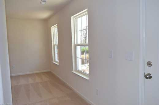 137 Merlin Dr - Photo 6