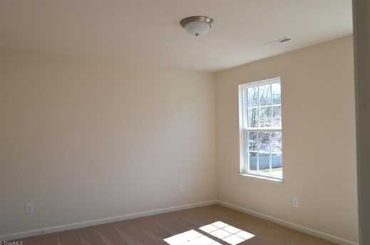 137 Merlin Dr - Photo 18