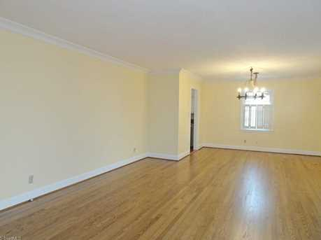 147 N Peace Haven Road - Photo 4