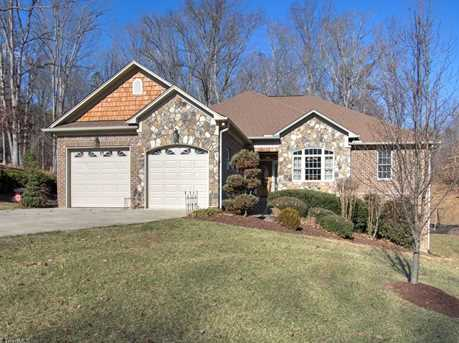 153 Glenoak Drive - Photo 1