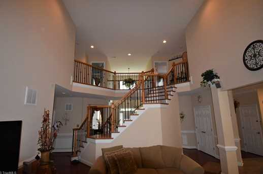 7884 Newhaven Dr - Photo 14