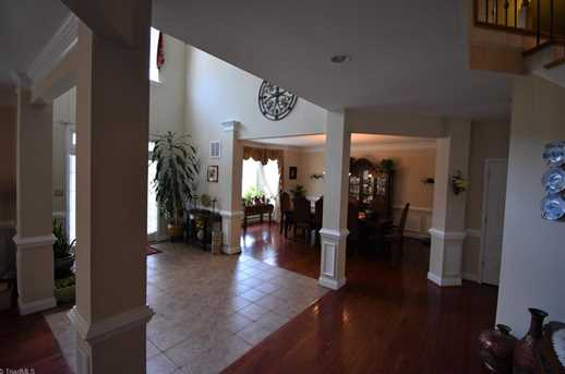 7884 Newhaven Dr - Photo 16