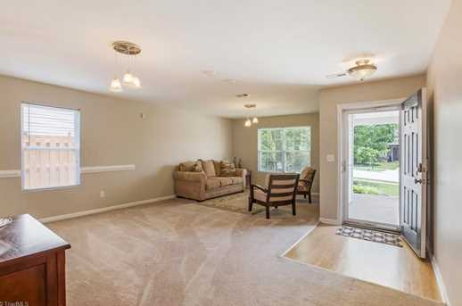 3913 Whispering Willows Dr - Photo 4
