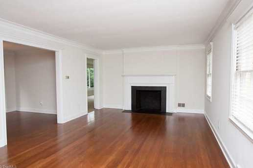 120 Beverly Place - Photo 2