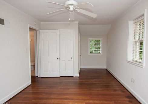 120 Beverly Place - Photo 20
