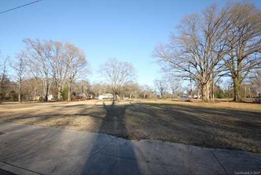 1801 Catawba Avenue - Photo 1