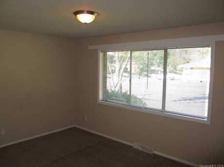 4901 Malibu Drive - Photo 6