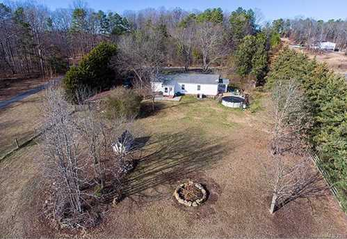 13384 Brooks Road - Photo 4
