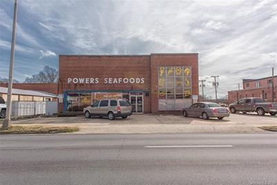 511 Franklin Boulevard W - Photo 1
