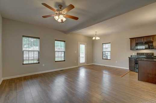 point lookout jewish singles View 20 photos of this 7 bed, 2 bath, 4,000 sq ft single family home at 115 parkside dr, point lookout, ny 11569 on sale now for $1,130,000.