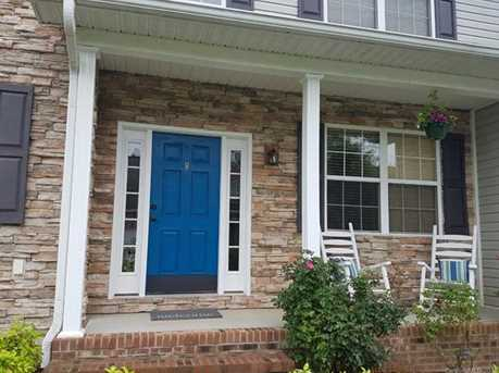 8 Holmes Lane - Photo 2