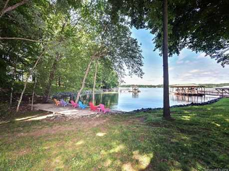 766 Lakeview Shores Loop - Photo 2