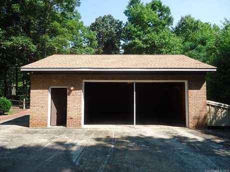 15920 Youngblood Rd - Photo 16