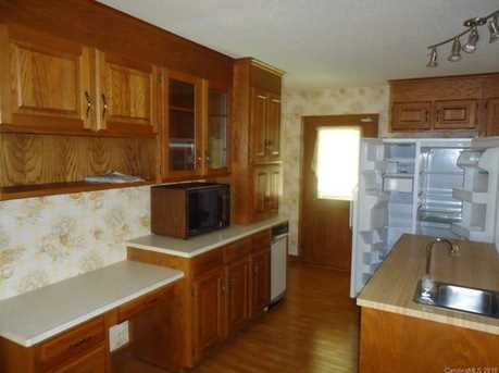 15920 Youngblood Rd - Photo 4