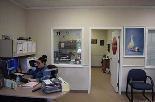 6215 Brookshire Blvd - Photo 12