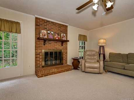 4900 Golfview Ct - Photo 10