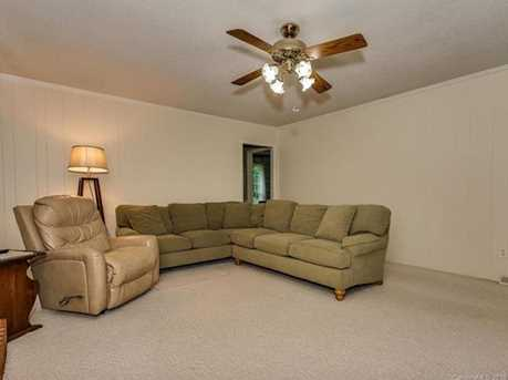 4900 Golfview Ct - Photo 12