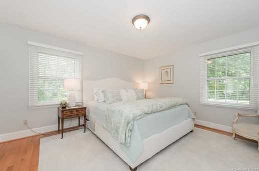 401 Roselawn Place - Photo 16