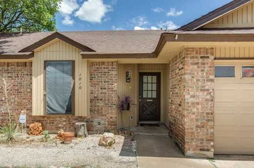 1010 Cresswell Dr - Photo 2