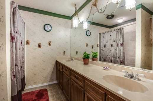 1010 Cresswell Dr - Photo 8