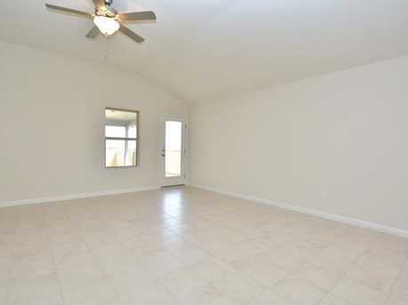172  Tailwind Dr - Photo 4