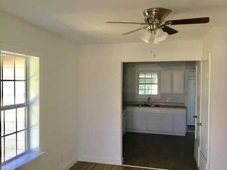 2027  Eastman Ave - Photo 10