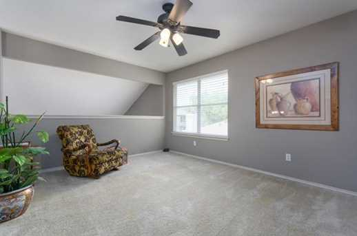 2304  Macaw Dr - Photo 14