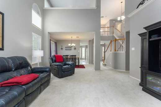 2304  Macaw Dr - Photo 10
