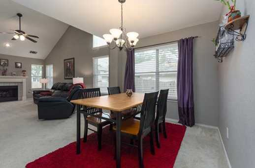 2304  Macaw Dr - Photo 6