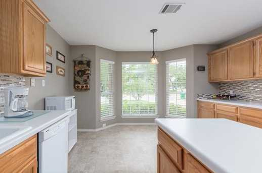 2304  Macaw Dr - Photo 4