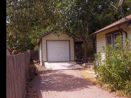 2005  Montclaire St - Photo 2