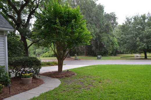 551 Oak Park Drive - Photo 4
